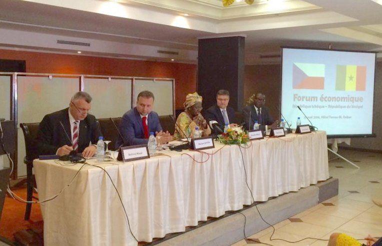 Dakar et Prague signent un accord de financement de plus de 37 millards de FCFA