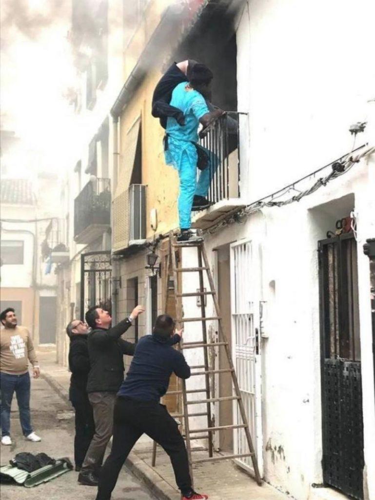 Un Sénégalais sans papier sauve un handicapé d'un incendie en Espagne 1