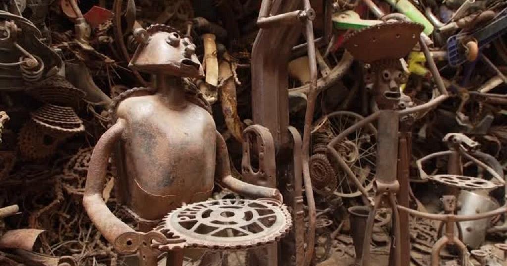 """Meissa Fall le sculpteur qui  """"recycle"""" les vélos en oeuvre d'art 5"""