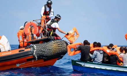Plus de 200 migrants africains secourus au large de l'Espagne