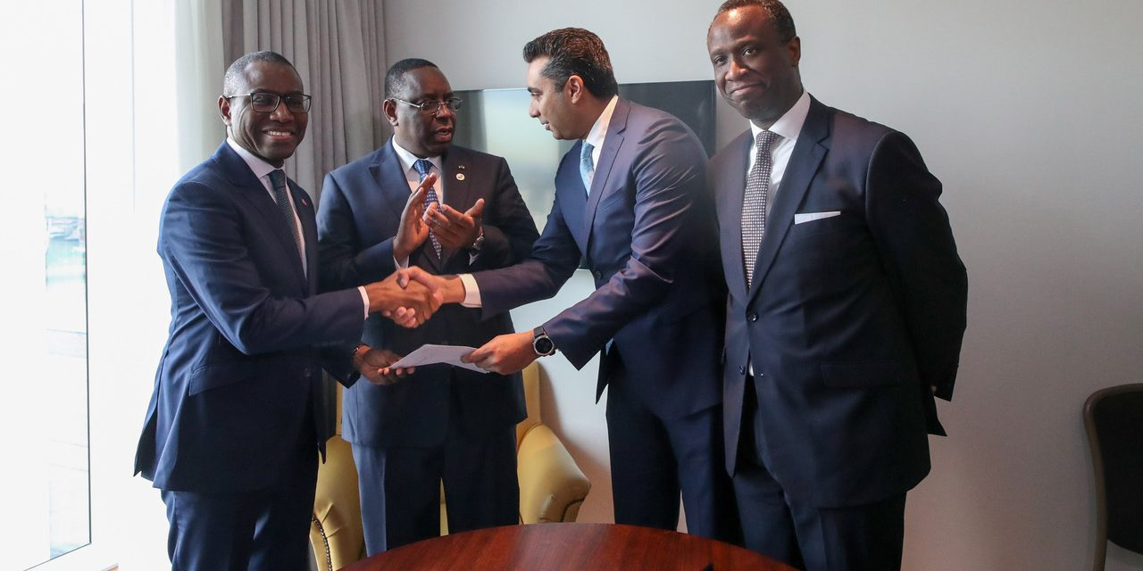 Signature d'un Accord de financement du Stade Olympique de Diamniadio