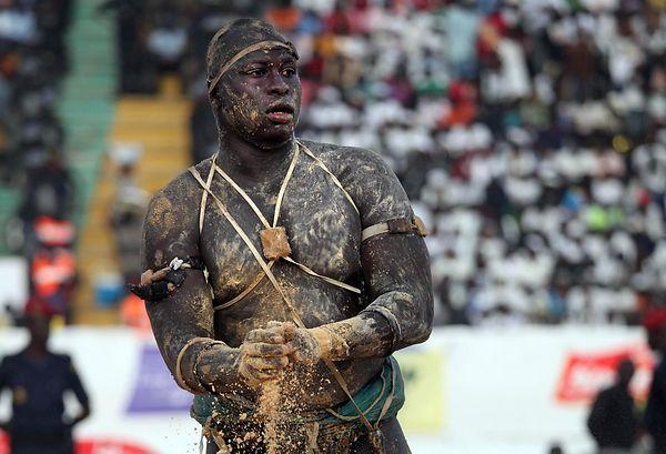 La lutte sénégalaise avec frappe, entre sport, tradition et mysticisme 3