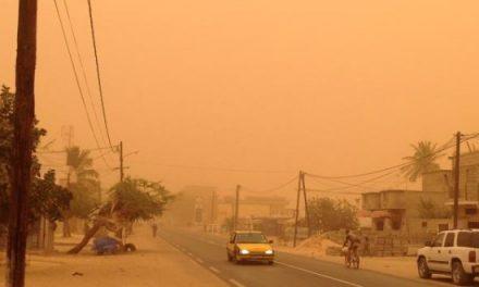 DAKAR sous un nuage de poussière