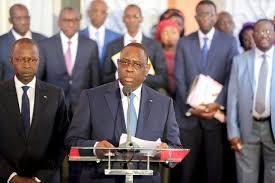 covid-19: Macky Sall annule les rassemblements publics et ferme les écoles