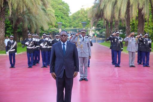 SENEGAL: UNE BRÈVE LEVÉE DES COULEURS A MARQUÉ LE 60ÈME ANNIVERSAIRE DE L'INDÉPENDANCE