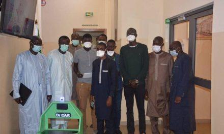 Des étudiants créent un robot pour livrer des médicaments et de l'alimentation aux patients mis en quarantaine