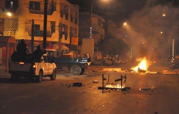 COVID-19/Sénégal: des dizaines d'interpellations après des émeutes contre le couvre-feu