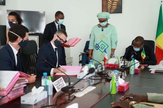 Programme de résilience économique et sociale: Le Sénégal et la France signent dix conventions de financement