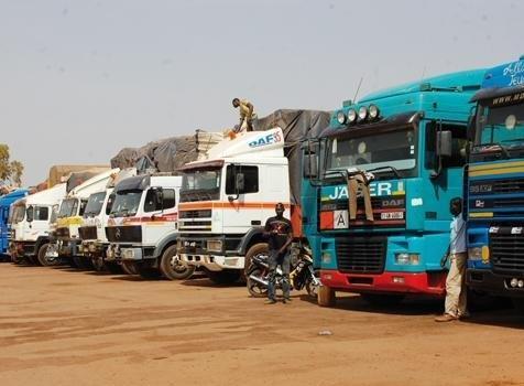 blocus: Des camions maliens et sénégalais bloqués à la frontière