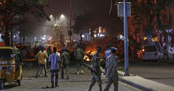 ATTENTAT: Onze morts dans l'attaque d'un hôtel de Mogadiscio par les shebab