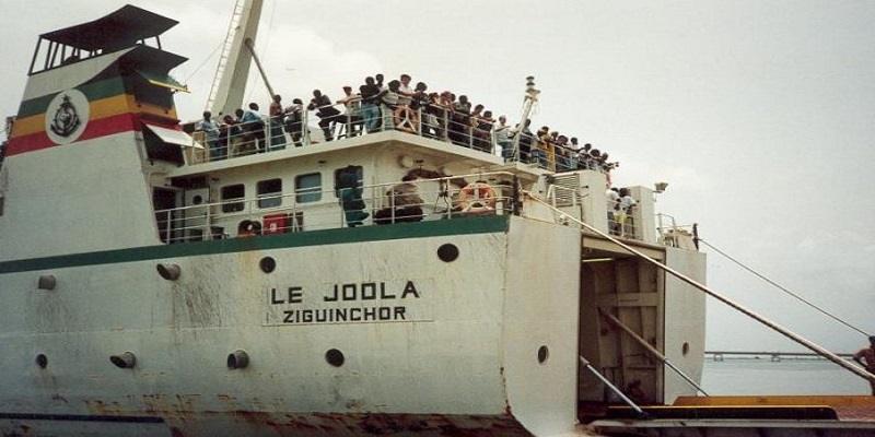 18 ans du Joola : Macky Sall rend hommage aux personnes disparues dans le naufrage du navire