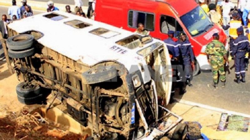 Grave accident à Thiès : 16 morts dans une collision entre un Bus et un camion frigorifique