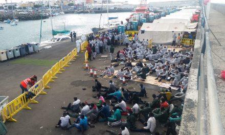 Les Canaries, débordées par l'afflux de migrants venant d'Afrique