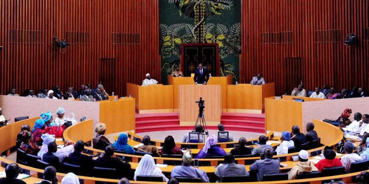 DÉBATS a L'assemblée nationale sur le  Projet de loi relative à l'état d'urgence