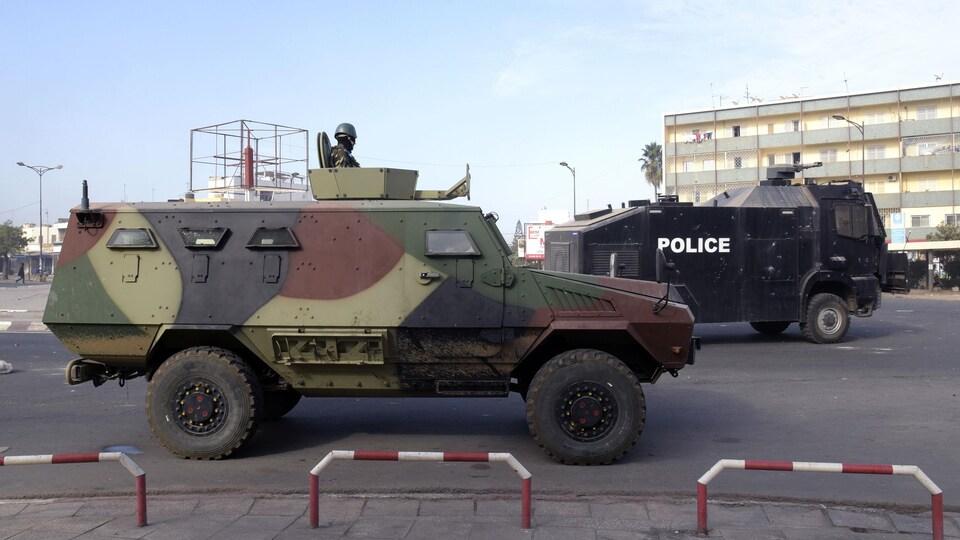 Dakar sous la protection des blindés de l'armée à l'heure de la contestation