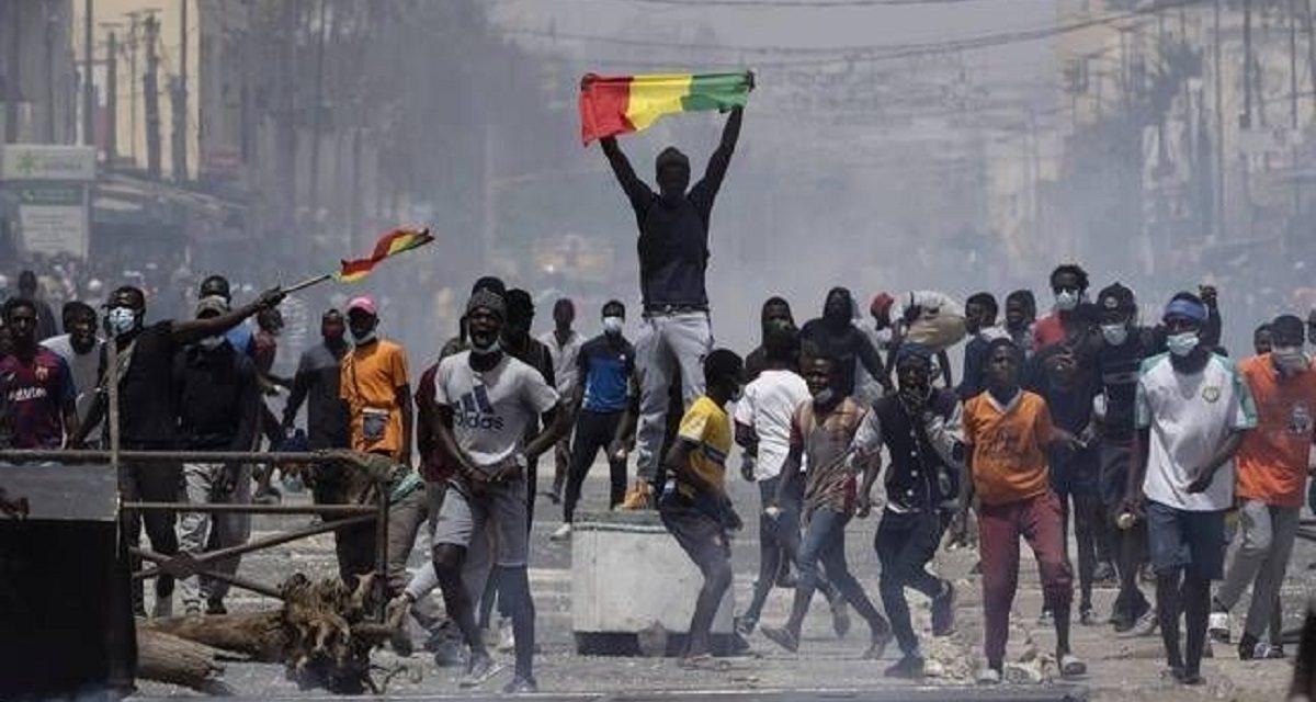 le gouvernement annonce la création d'une commission d'enquête après les manifestations
