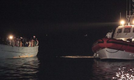 Un bateau fait naufrage en Méditerranée avec 130 migrants à bord