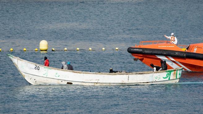 Au moins 17 migrants retrouvés morts sur un bateau au large des Canaries