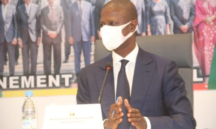 Antoine DIOME rappelle : « le port de masque de protection demeure obligatoire »