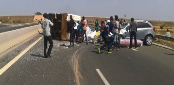 Khombole: Un accident de voiture fait trois morts et quatorze blessés