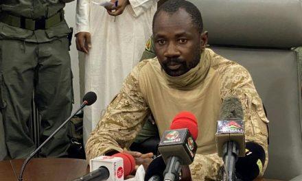 Mali: « tentative d'assassinat » du président durant la prière de l'Aïd