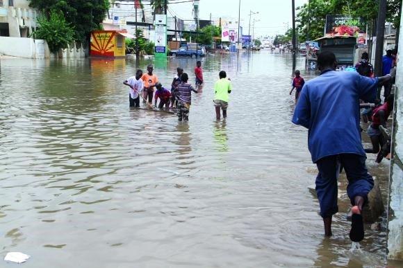 Inondations à Dakar: MACKY SALL ajoute 500 millions dans l'enveloppe pour les Moyens d'intervention rapide
